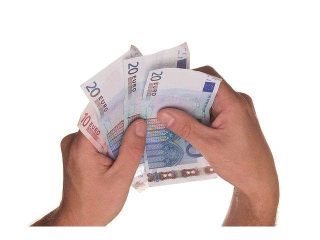 Aspectos a considerar antes de solicitar créditos rápidos online