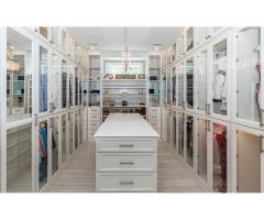 ¿Quieres encontrar un armario nuevo, bonito y práctico?